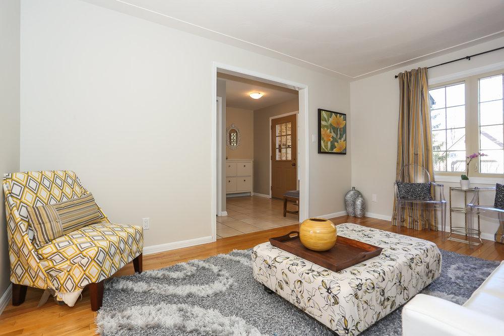 23 Living Room.jpg