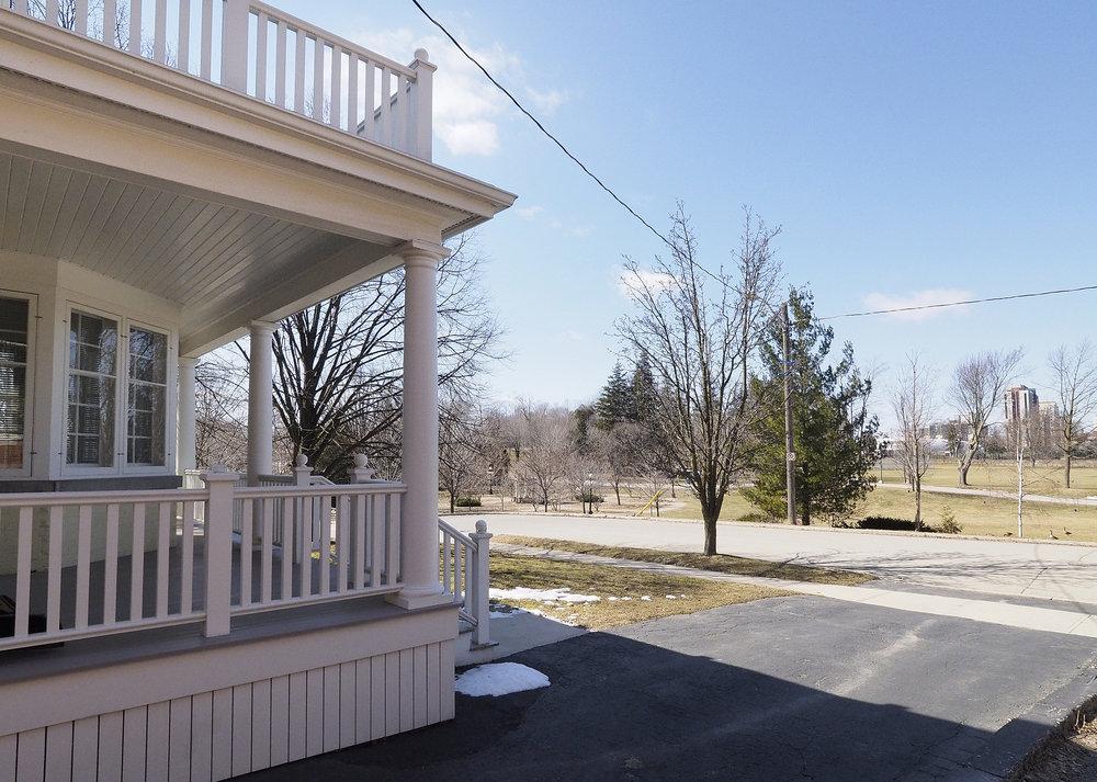 16 Front porch - Park.JPG
