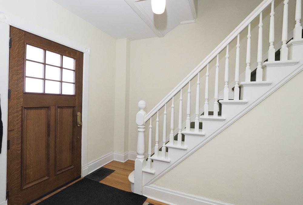 25 Foyer.JPG