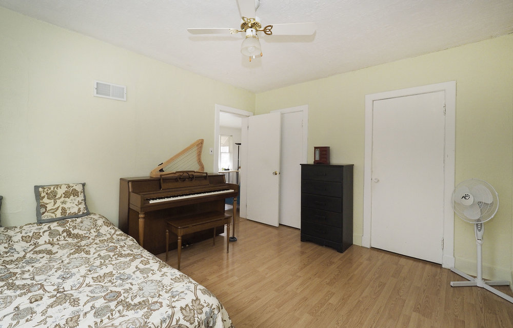 46 Bedroom - Copy.JPG
