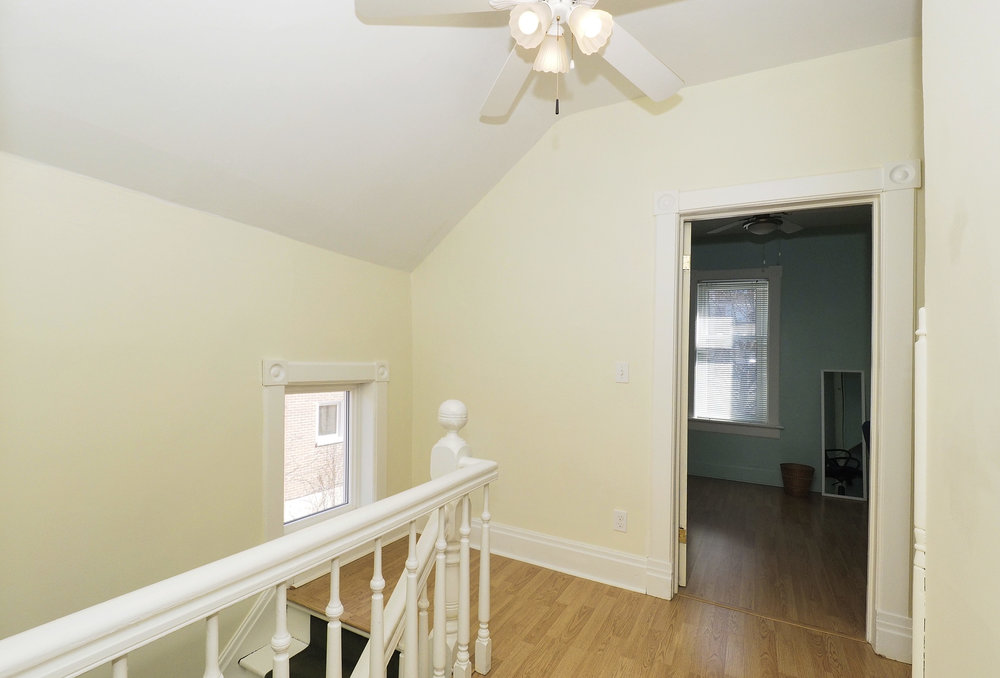 62 Upstairs hallway.JPG