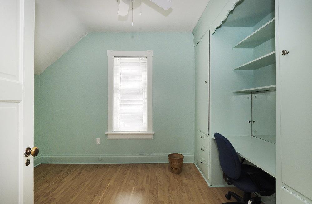 70 Bedroom.JPG