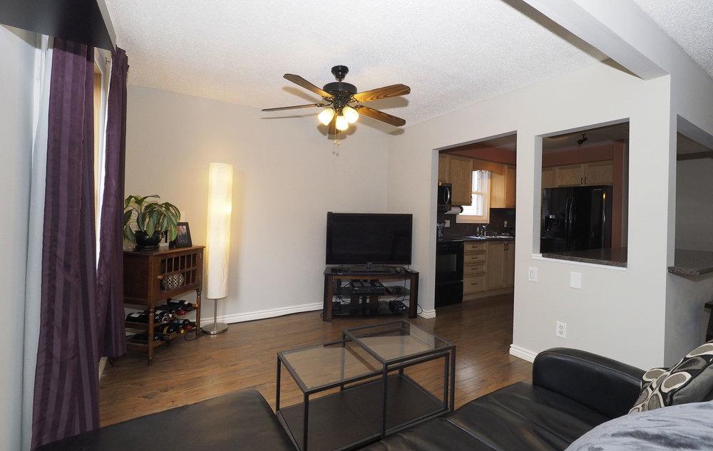 29 Living room.JPG