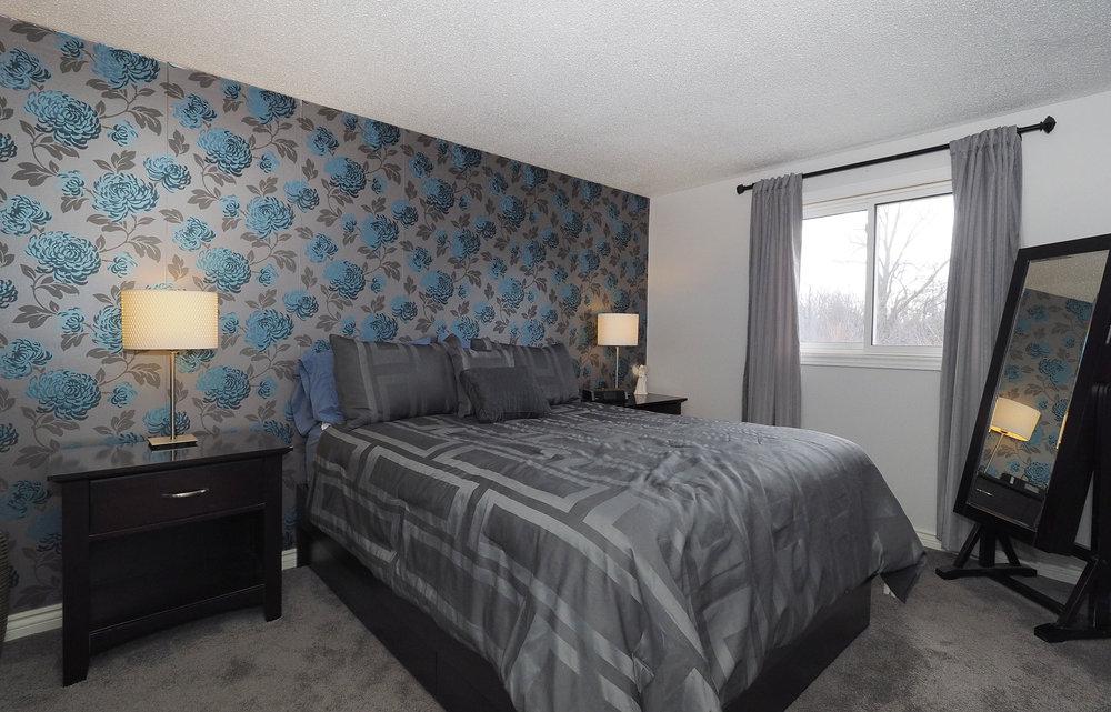 70 Master bedroom.JPG