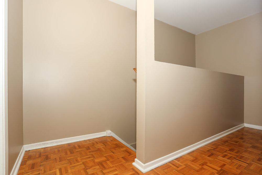 28 Hallway.jpg