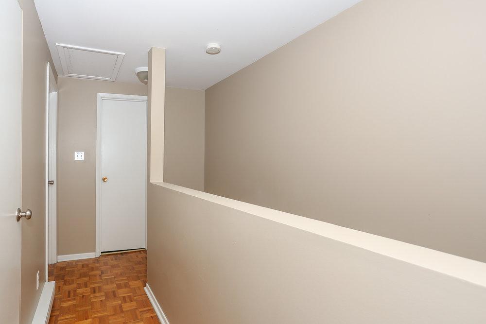 29 Hallway.jpg