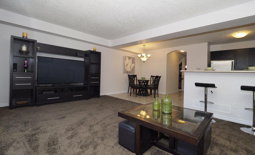 27 Living room.JPG