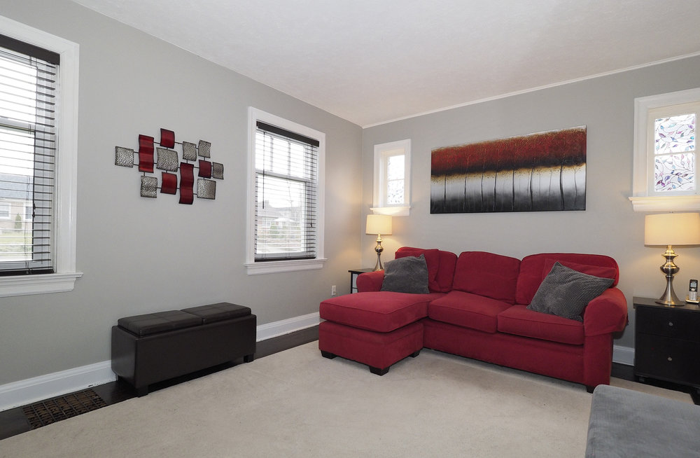 17 Living room.JPG