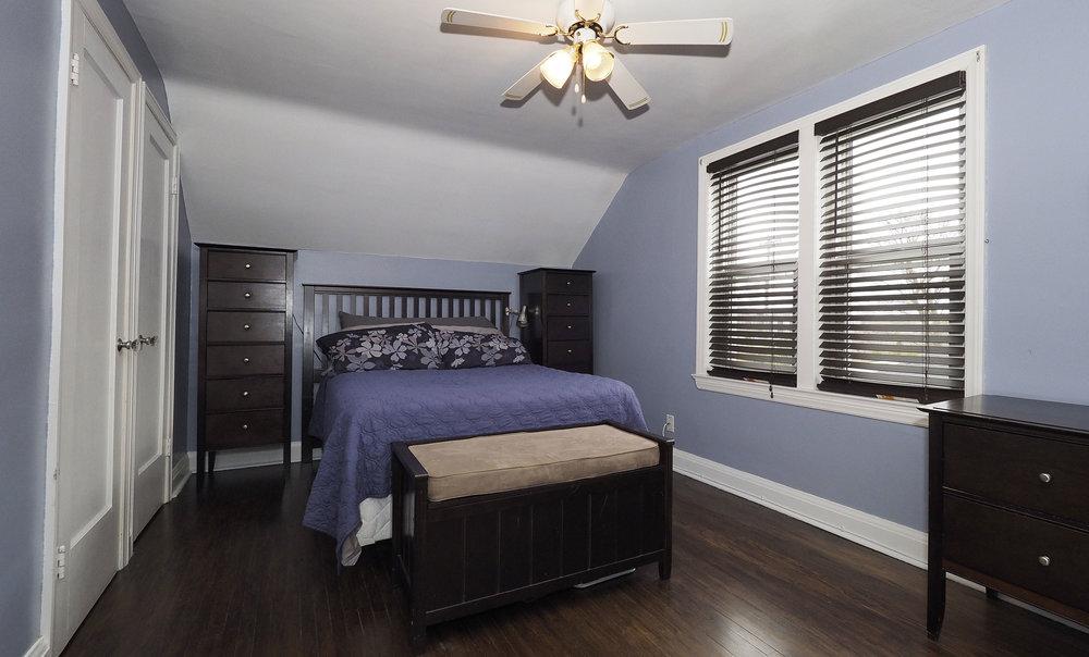 60 Master bedroom.JPG
