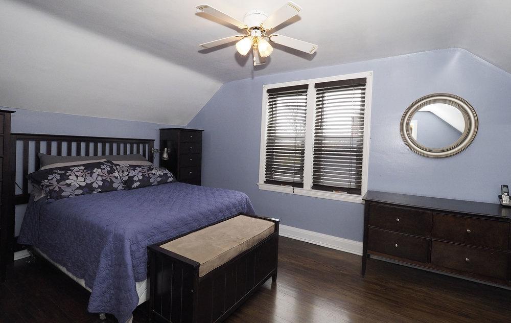 61 Master bedroom.JPG