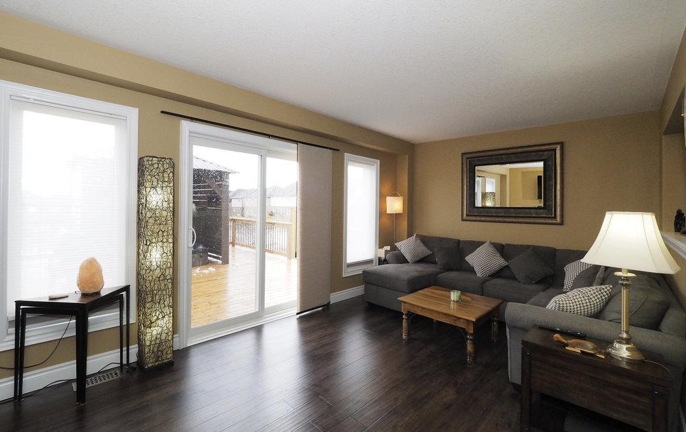 25 Living room.JPG