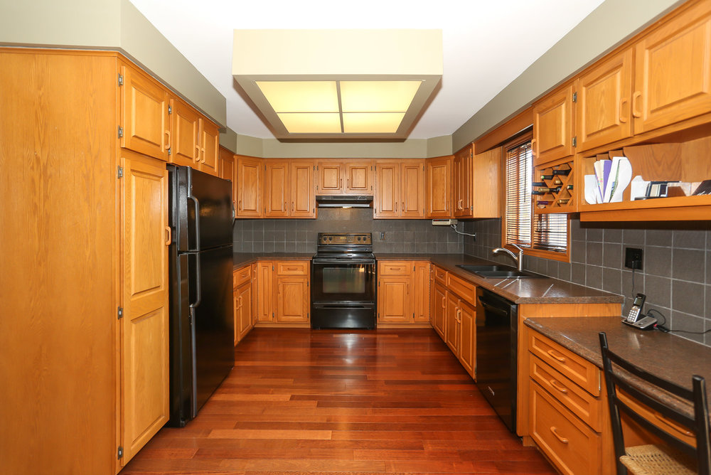 42 Kitchen.jpg