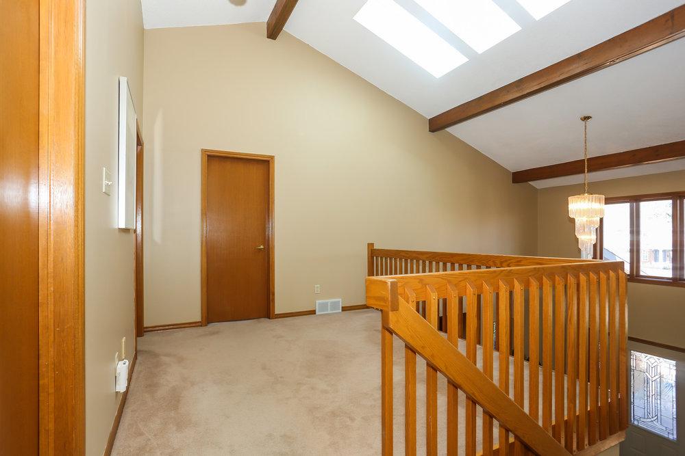 51 Hallway.jpg