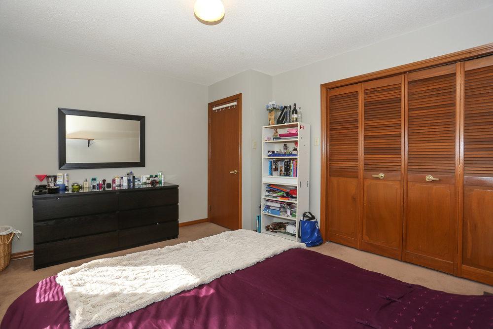 62 Bedroom 2.jpg