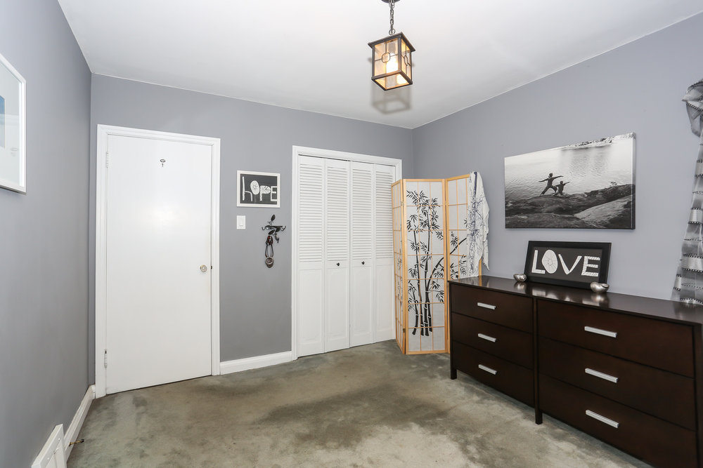 33 Bedroom 1.jpg