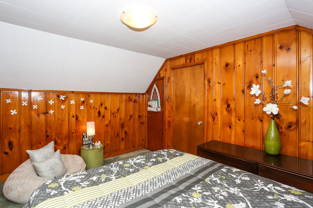 44 Bedroom 3.jpg