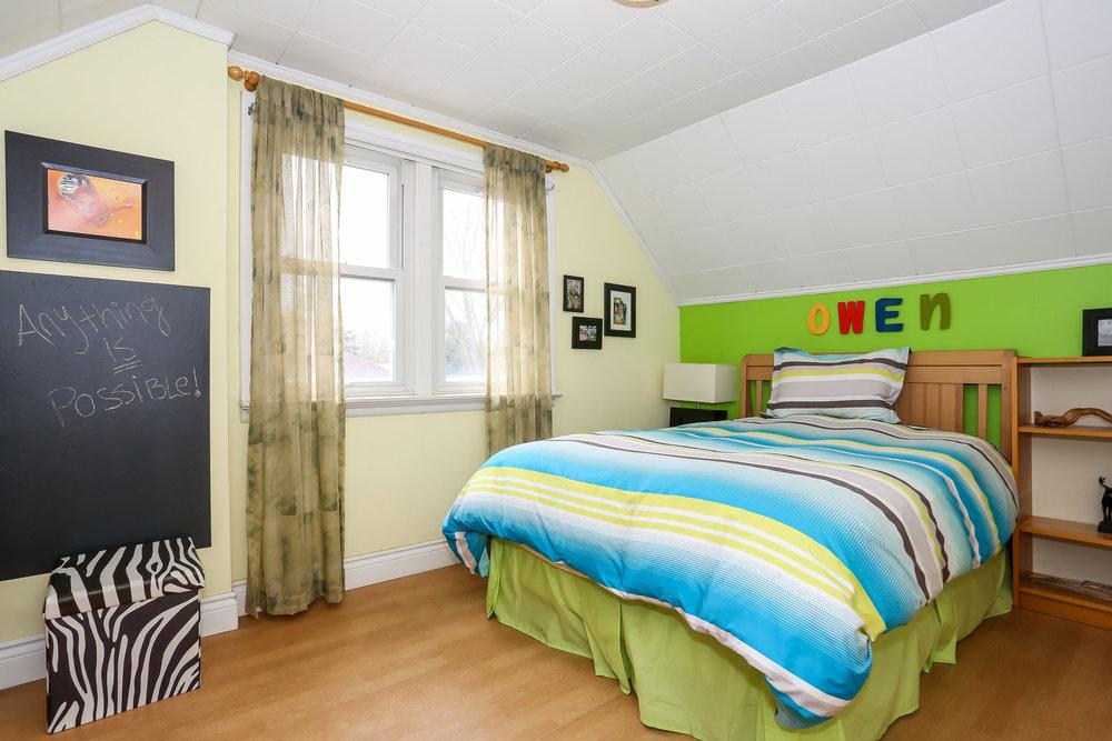 45 Bedroom 4.jpg