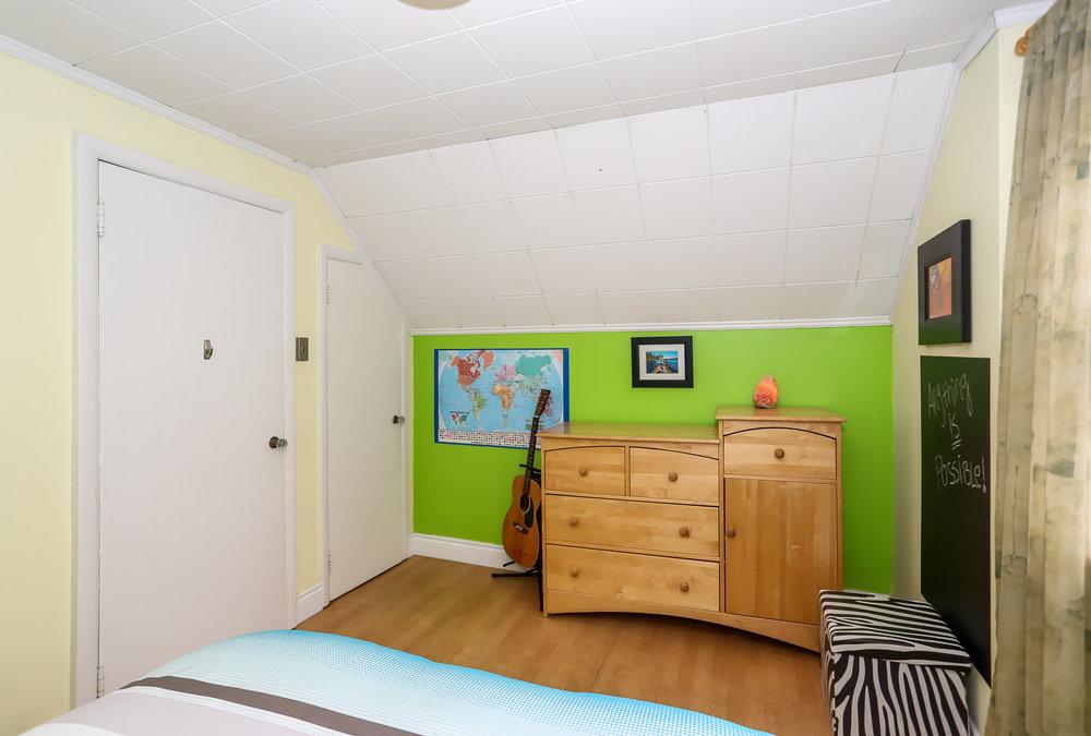 46 Bedroom 4.jpg