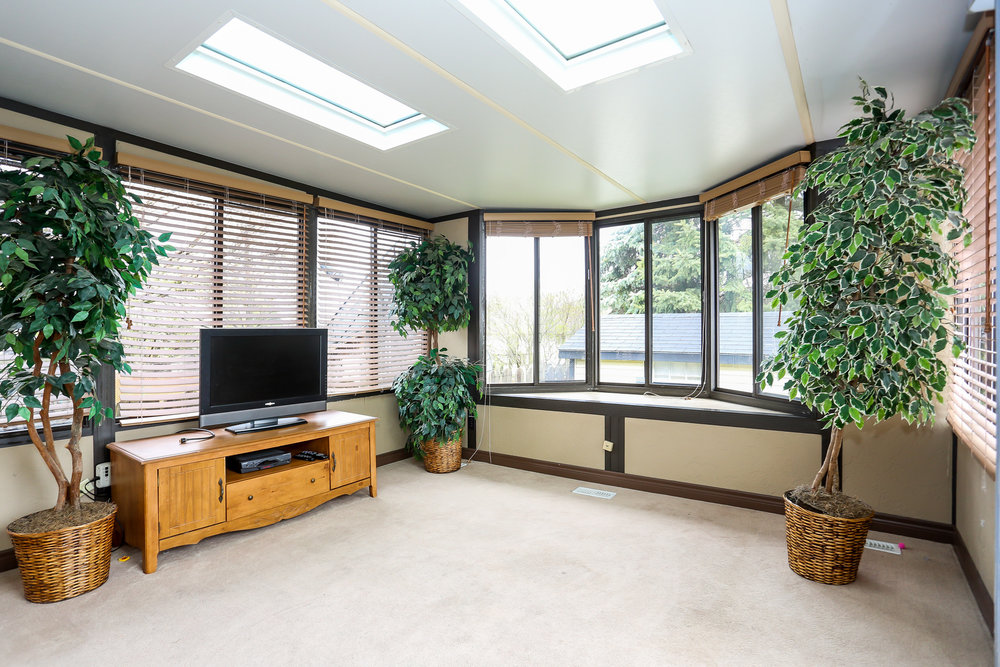 27 Sun Room.jpg