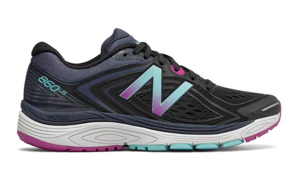 New Balance Women's 860v8