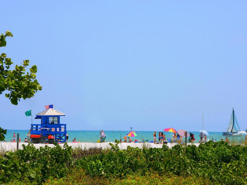 5527 Avenida Del Mare Siesta-MLS_Size-038-22-Siesta Beach3-1024x768-72dpi.jpg