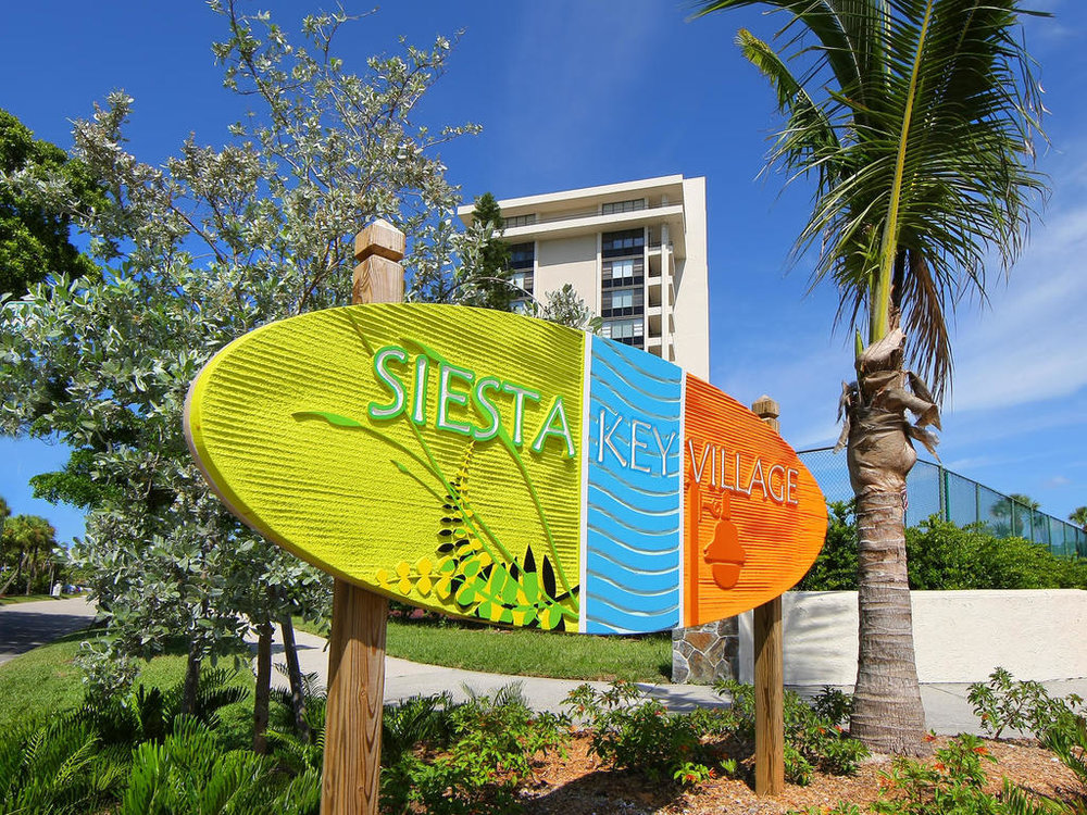5527 Avenida Del Mare Siesta-MLS_Size-044-37-Siesta Key Village  sign1-1024x768-72dpi.jpg