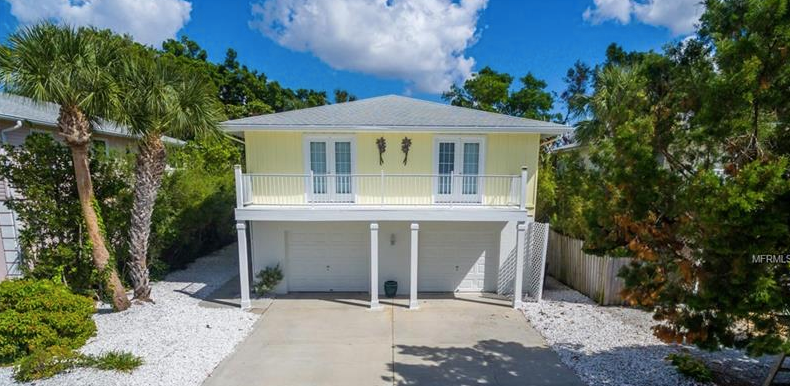 This cozy beach house has garage space for up to 3 cars, and living space for your entire extended family to come visit!