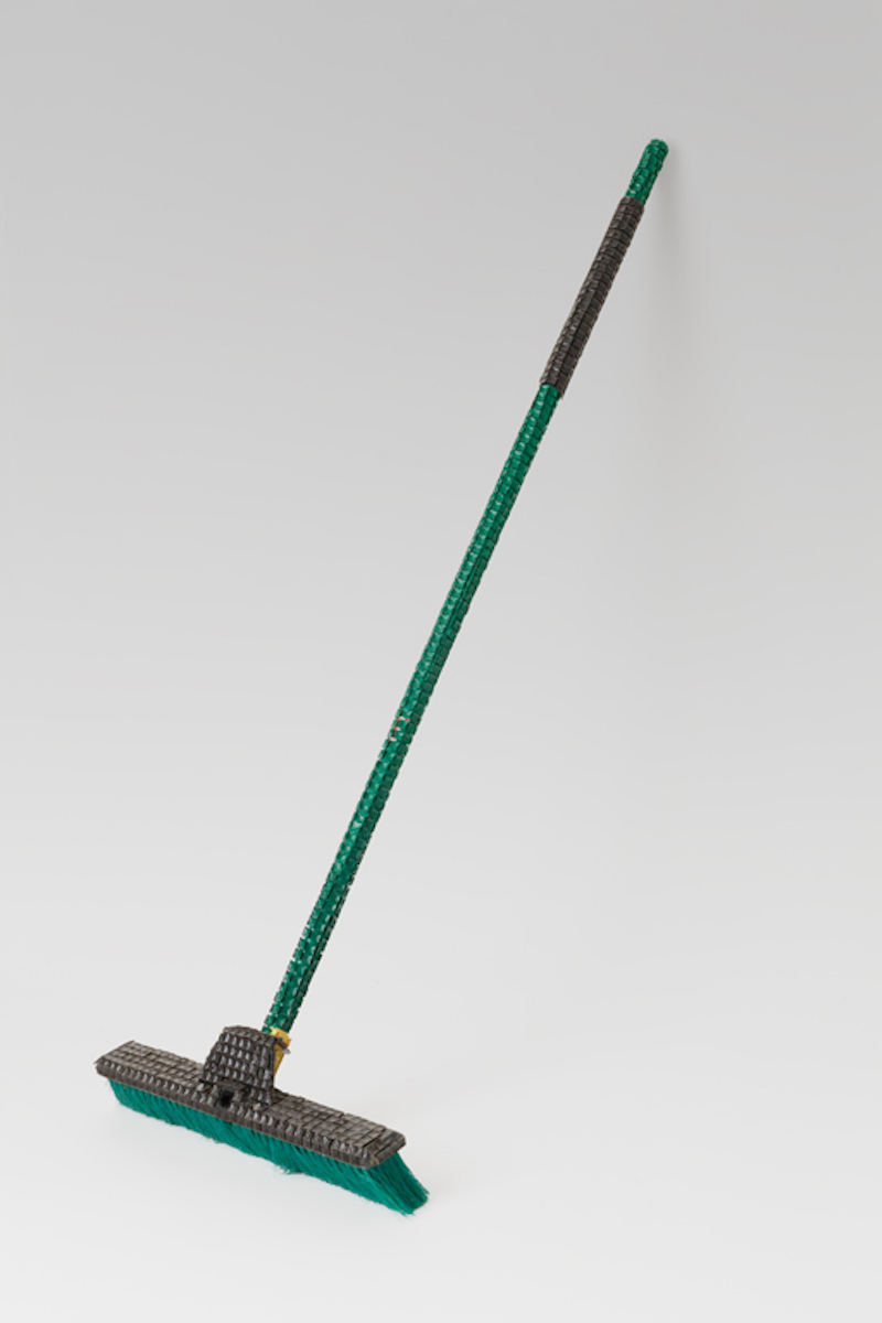 Broom (diagonal view)