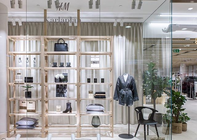A look inside H&M Karlaplan: a new concept store with selected collections and a personal atmosphere.