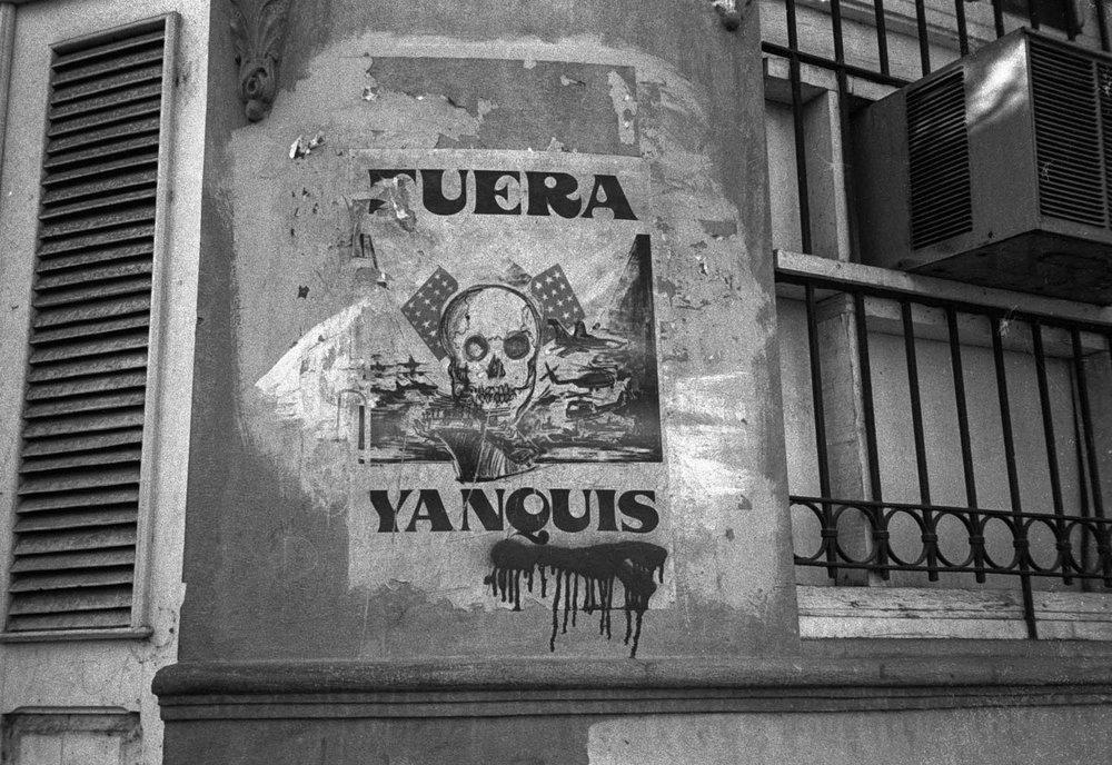 <span>Fuera Yanquis</span>