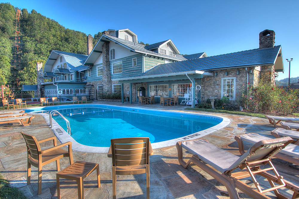 gatlinburg inn.jpg