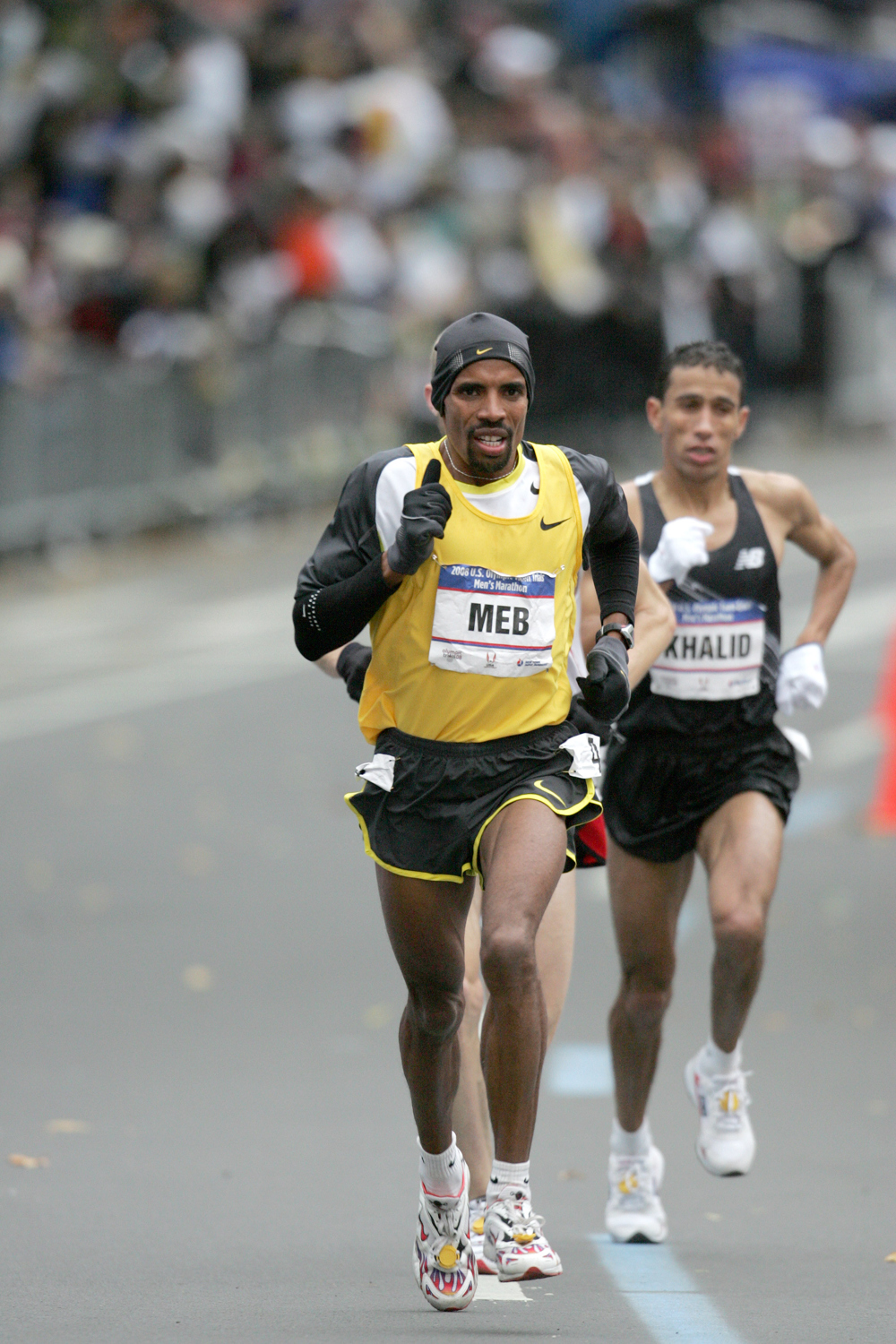 Keflezighi competing in Central Park at the 2008 U.S. Olympic Trials Marathon.