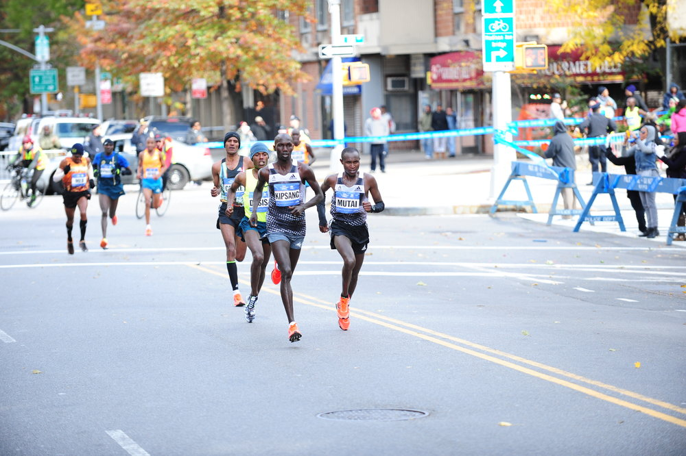 Keflezighi pushing to keep the leaders' breakaway in sight