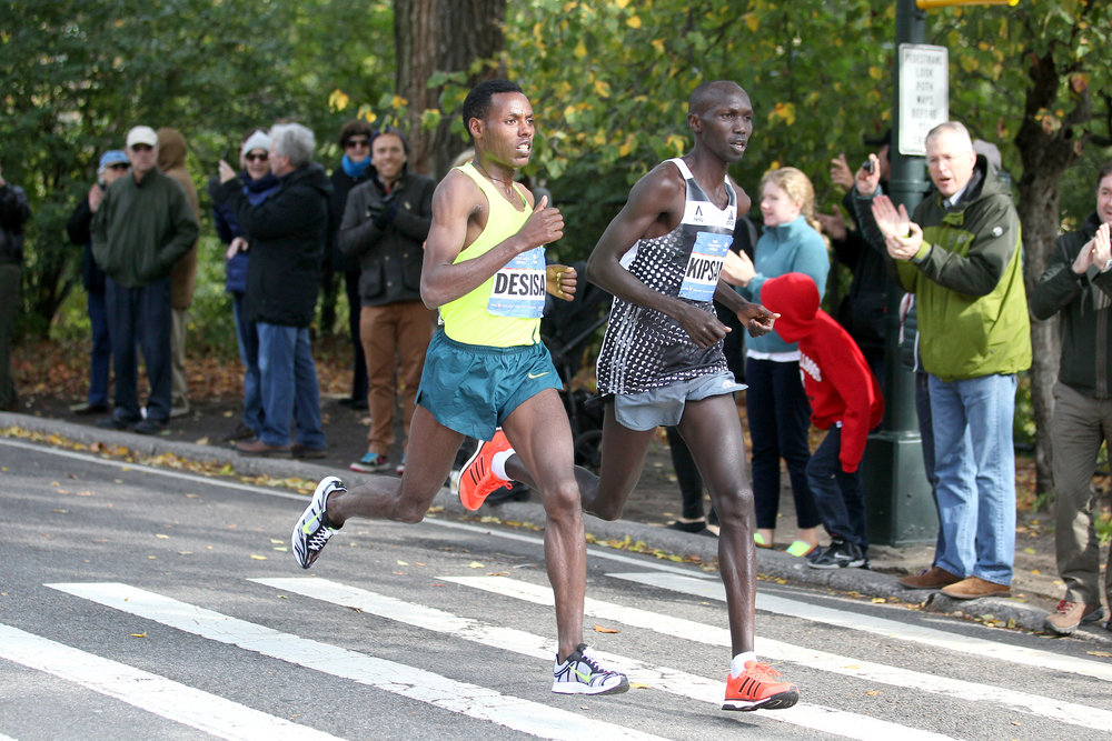 Kipsang and Desisa neck-and-neck on East Drive in Central Park