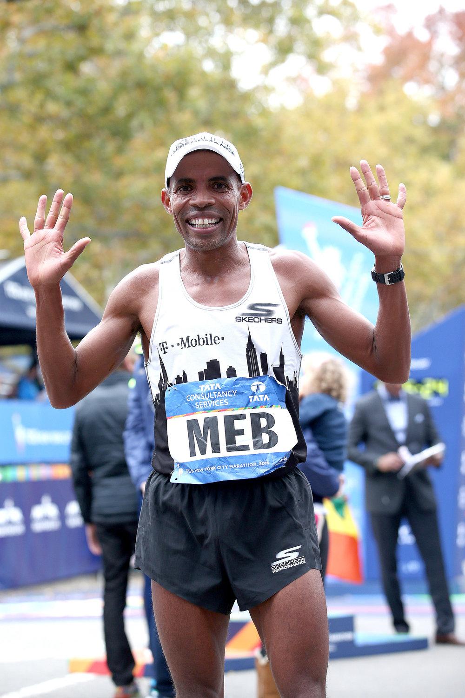 Holding up 10 fingers for 10 New York City Marathon finishes