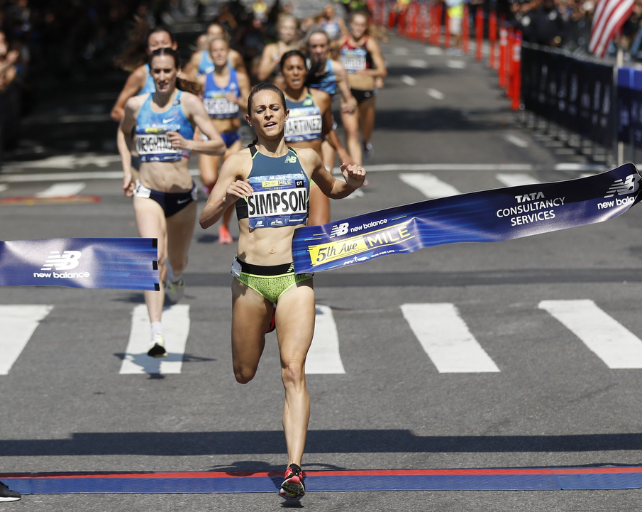 Jenny Simpson - United StatesIn September, she raced to a record-extending sixth 5th Avenue Mile title, matching PattiSue Plumer's event record from of 4:16.6 from 1990 in the process.