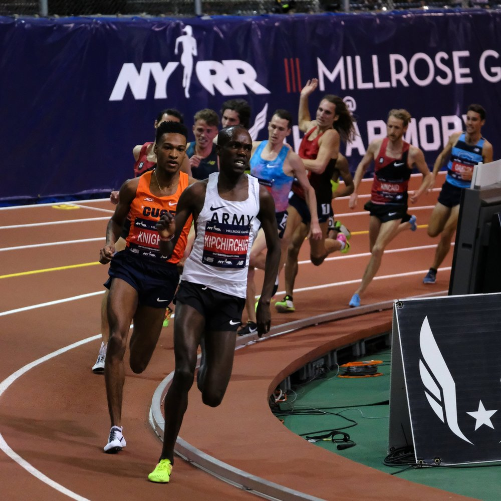Shadrack Kipchirchir leading the men's Dr. Sander 3000 Meters