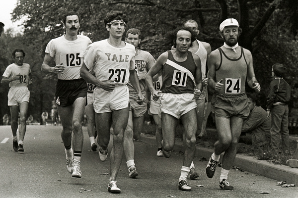 Fred Lebow (far right) helped spur running into a global phenomenon.
