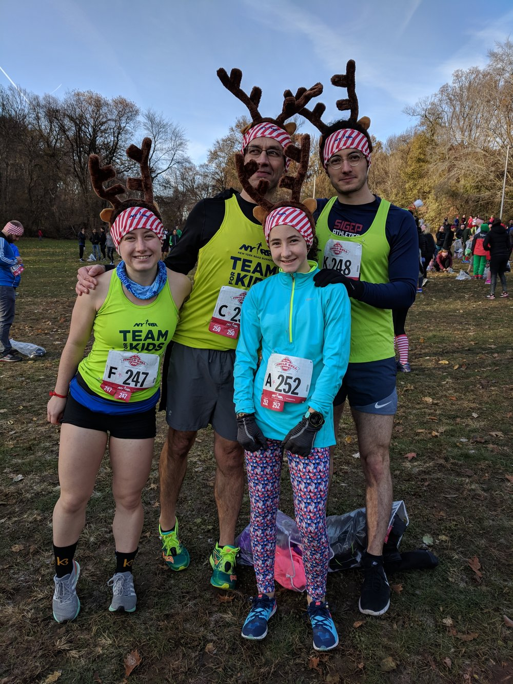 The Wanders made the 2017 NYRR Jingle Bell Jog, a fundraiser for NYRR's youth programs, a family affair.