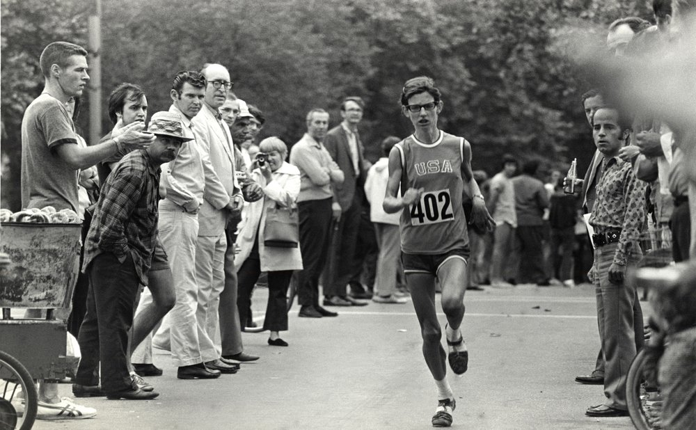 Beth Bonner at the front of the 1971 New York City Marathon in Central Park.