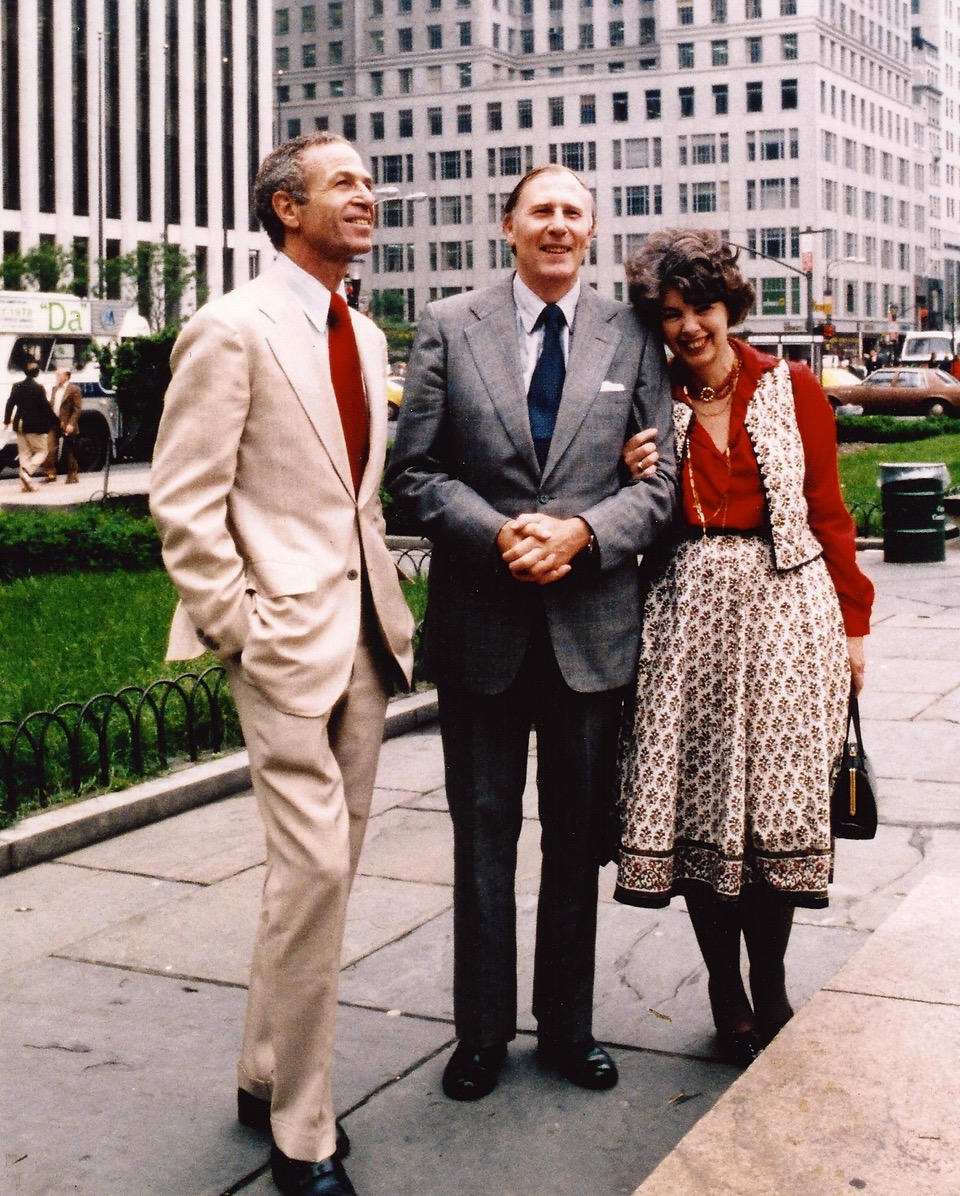 NYRR Chairman George Hirsch (left) with Roger Bannister and his wife, Moyra, at the 25th anniversary of Bannister's historic sub-four-minute mile on on May 6, 1979