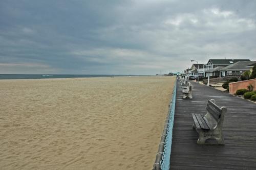 Point_Pleasant_Beach_boardw.jpg