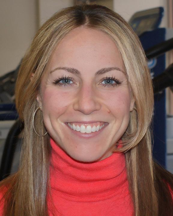 Jenna-Baynes-headshot.jpg