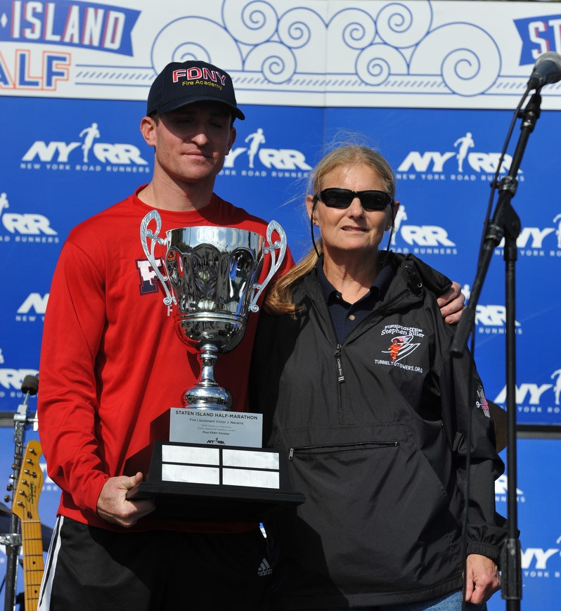 The Fire Lieutenant Victor J. Navarra FDNY Family of Champions Trophy is presented annually to the fastest FDNY finishers of the NYRR Staten Island Half.