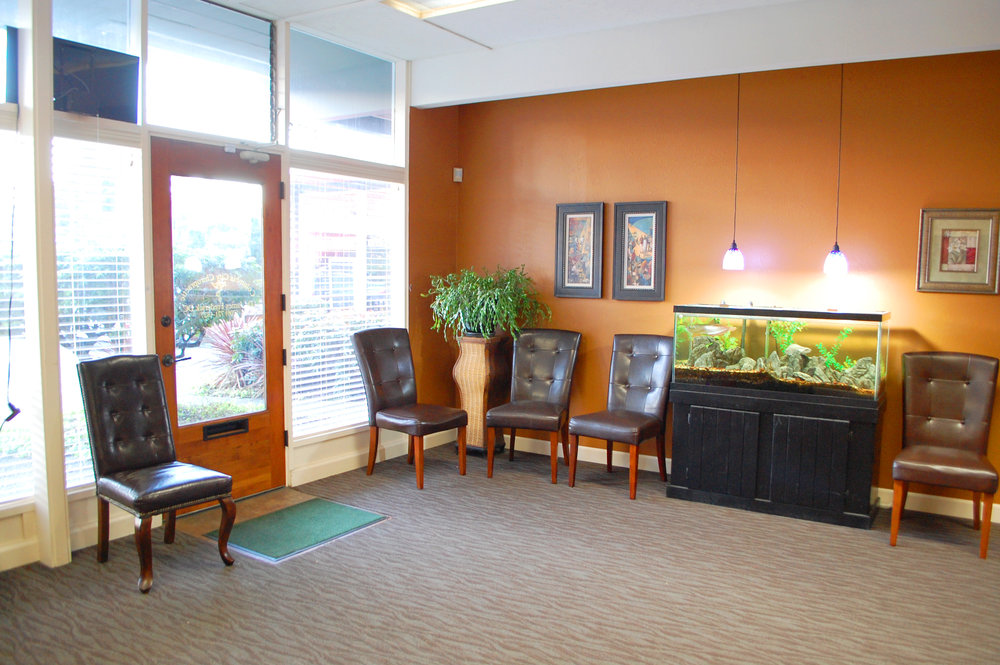 Columbia City Chiropractic Waiting Room 1