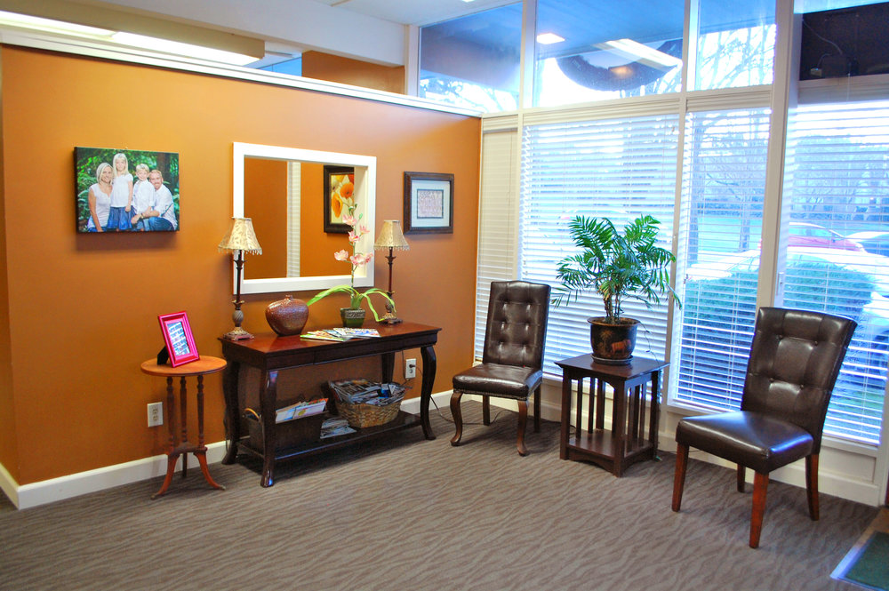 Columbia City Chiropractic Waiting Room 2
