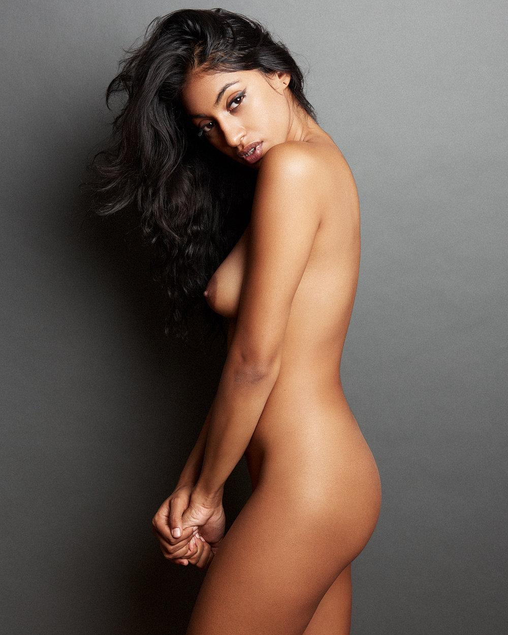 Jamiya-Wilson-Nudes-Gabriella01.jpg