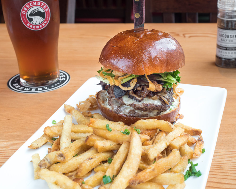 pub deschutes brewery pdx picture portland pacific northwest food photography photographer.jpg
