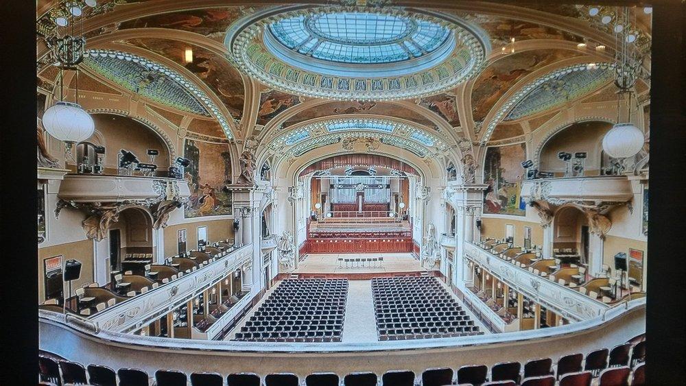 theatre-592145_1280.jpg
