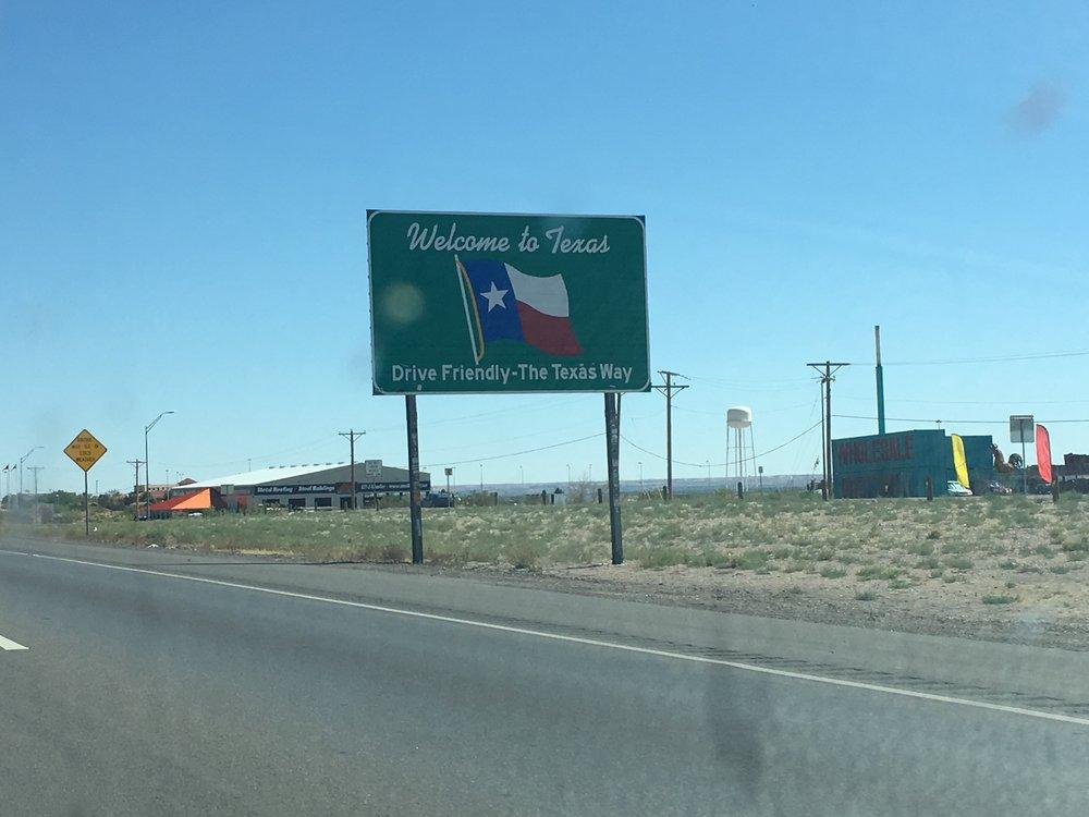 signs- texas.JPG